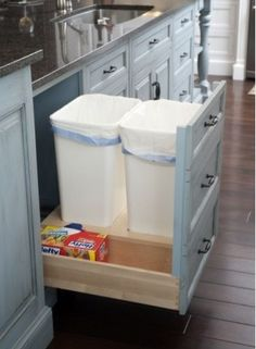 These clever storage and organization hacks, tips and ideas will make your kitchen an organized paradise. From spice storage to garbage can drawers we have it all covered. Kitchen Storage Hacks, Diy Storage, Storage Spaces, Kitchen Hacks, Clever Storage Ideas, Kitchen Garbage Can Storage, Kitchen Storage & Organization, Storage Solutions, Smart Kitchen