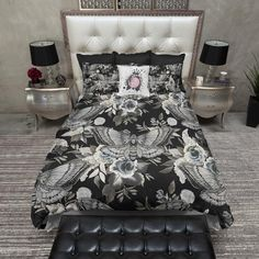 Black and White Peeping Skull Duvet Bedding Sets Cream Bedding, Duvet Bedding Sets, Luxury Bedding Sets, Linen Bedding, Comforters, Bed Linens, King Comforter, Linen Pillows, College Bedding