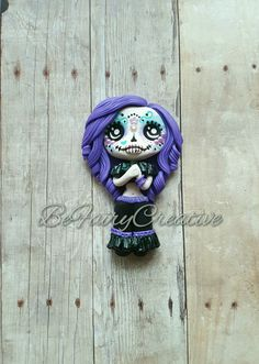 Sugar Skull Cutie Polymer Clay Dolls, Polymer Clay Creations, Polymer Clay Beads, Halloween Clay, Halloween Crafts, Biscuit, Air Dry Clay, Clay Charms, Clay Tutorials
