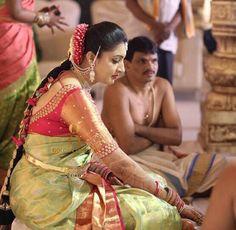 Have a wonderful day folks 🌹 Wedding Saree Blouse Designs, Half Saree Designs, Pattu Saree Blouse Designs, Fancy Blouse Designs, Wedding Sarees, 3d Figures, Ppr, Work Blouse, Rekha Saree