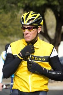 Nike cuts ties with Livestrong Foundation Cycling News d40007400