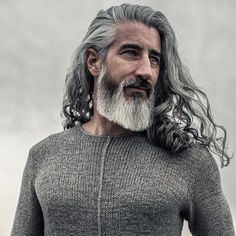 Men Who Recognize How to Get Even Hotter With Age Grey Hair, Brown Hair, Jack Foley, Silver Foxes Men, Silver Hair Highlights, Caramel Balayage, Super Hair, Beard Care, Beard Styles