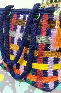 Discover thousands of images about Nasil yapilislari olsa daha memnun olurduk Crochet Tote, Crochet Handbags, Crochet Purses, Crochet Stitches, Knit Crochet, Crochet Patterns, Crochet Summer, Tapestry Bag, Tapestry Crochet
