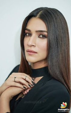 Bollywood Photos, Indian Bollywood Actress, Bollywood Girls, Beautiful Bollywood Actress, Most Beautiful Indian Actress, Bollywood Stars, Beautiful Actresses, Bollywood Bikini, Hot Images Of Actress