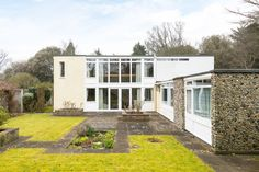 This five bedroom house, by one of the most respected British architects of the Mid Century period, is located in Broadstairs on the increasingly popular East Kent coast. Designed in 1963 by Gerald Beech, an architect perhaps best known for his Grade II* listed Cedarwood in Liverpool, this house is highly praised in the respected […]