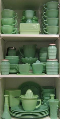 Green jadite-- thanks a lot, Martha Stewart, for making me desire something I didn't know existed