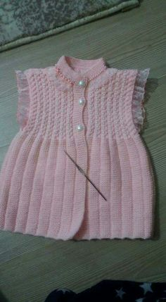 "diy_crafts- ""Baby Vest with Bear Pattern"", ""This post was discovered by Гал"", "" No pattern link. Baby Cardigan, Baby Poncho, Baby Pullover, Baby Clothes Patterns, Baby Knitting Patterns, Lace Knitting, Clothing Patterns, Knitting For Kids, Baby Sweaters"