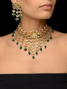 Green Kundan-inspired Gold Tone Necklace with a Pair of Earrings (Set of Buy Golden White Green Red Kundan inspired Gold Tone Necklace with a Pair of Earrings (Set Beads Metal Alloy Pearls Fashion Jewelry Necklaces/Pendants Shimmering Statements to s Bling Bling, Indian Jewelry Sets, Indian Accessories, India Jewelry, Dainty Diamond Necklace, Bridal Jewelry, Gold Jewelry, Diamond Jewelry, Vintage Jewelry