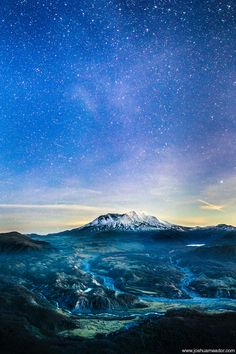 Starry night above the blast zone of Mount St. Helens Washington | #smoothness #nature #mountain