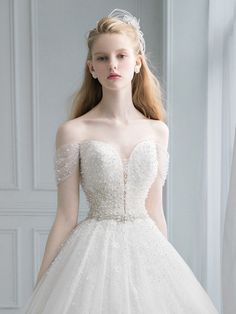 Monica Blanche wedding dress for young woman 40s Wedding Dresses, Bridal Dresses, Prom Dresses, Cute Dresses, Beautiful Dresses, Japonese Girl, Top Mode, Dream Dress, Marie