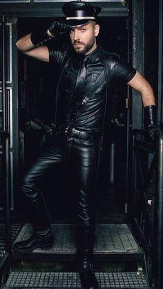 Gay men into leather & more