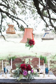 Lampshades as Wedding Decor: 50 Examples of Fabulous: We love the look of lampshades, both vintage and contemporary. And there are myriad ways to incorporate them into your wedding's decor, whether your theme is country-chic or city-glam. Diy Wall Art, Diy Wall Decor, Diy Home Decor, Outdoor Light Fixtures, Outdoor Lighting, Lighting Ideas, Diy Wedding Decorations, Light Decorations, Decorative Lamp Shades
