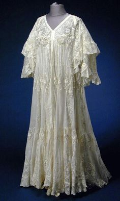 Mull and Lace Peignoir Early 20th century