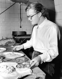 Truman Capote prepares his 'chicken au chocolat' at a kitchen counter, Venice, Italy, (Graphic House/Getty Images) In Cold Blood, Story Writer, Screenwriting, Famous Faces, Looking Back, Short Stories, Books To Read, Audrey Hepburn, Turkey