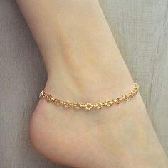 Gold Sun Chain Anklet // Summer Boho Ankle Bracelet by Kurafuchi Silver Anklets Designs, Anklet Designs, Ankle Jewelry, Jewelry Design Earrings, Jewlery, Gold Anklet, Anklet Bracelet, Or Rose, Rose Gold