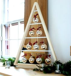 DIY modern triangle wooden Christmas tree with ornaments // Karácsonyfadísz tartó háromszög karácsonyfa fából (tervrajzzal) // Mindy - craft tutorial collection