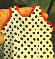 Lo prometido es deuda ....jejejeje..... aquí tenéis chicas los patrones y la explicación del traje de flamenca ,es muy muy sencillito , las ...