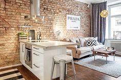 Quase uma unanimidade, a cozinha aberta para a sala cria uma dúvida: O que fazer para dividir estes ambientes de uma forma funcional, que mantenha  boa circulação, luminosidade e ventilação  ?