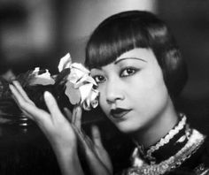 Anna May Wong – was the first Chinese American movie star, and the first Asian American actress to gain international recognition. Her long and varied career spanned both silent and sound film, television, stage, and radio. Asian American Actresses, American Actors, Marlene Dietrich, Hollywood Star, Classic Hollywood, Vintage Hollywood, Vintage Vogue, Hollywood Glamour, Vintage Fashion