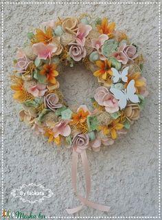 Napsugaras tavaszi ajtódísz kopogtató (fabkata) - Meska.hu Floral Wreath, Wreaths, Decor, Floral Crown, Decoration, Door Wreaths, Deco Mesh Wreaths, Decorating, Floral Arrangements