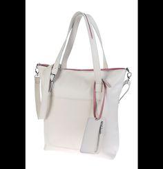 Prosta, duża, minimalistyczna torba uszyta w całości ze skóry naturalnej.  Torba dla tych z nas, które nie wyobrażają sobie życia bez dużej, pojemnej torby.  **KOLOR: ecru/ jasny beż +...