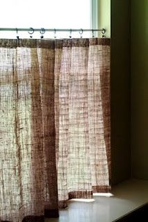 No-sew, burlap cafe curtains. Love burlap, great idea for curtains! great for a bathroom!
