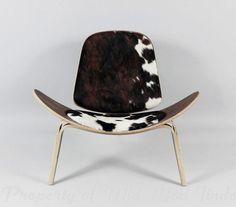 Hans J Wegner Shell Style Chair Black/white pony skin #Modern
