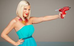 Tori Spelling #CraftWars. This should be a pose for early childhood teachers... We ARE the queens of the glue guns :)