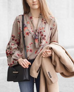 Floral Blouse, Spring Fashion, Fall Fashion, Camel Coat, Camelia Roma
