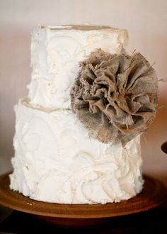 Burlap Wedding cake #burlapweddings #burlapandlace