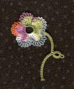 Be-stitched: Tatted fringed flower - Free pattern #tatting #flower