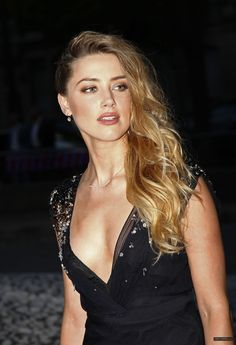 Amber Heard attends the Miu Miu Fragrance and Croisiere 2016 Collection launch Hollywood Actresses, Actors & Actresses, Amber Heard Hot, Beautiful Gorgeous, Beautiful Women, Beautiful Actresses, Medium Hair Styles, Her Hair, Miu Miu