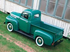 I just love this vintage 1950 Ford Truck