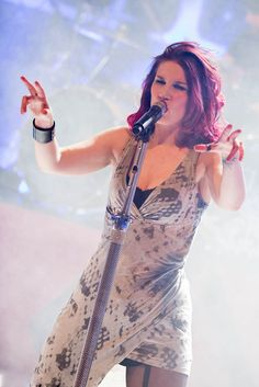 Charlotte Wessels - Delain Chica Heavy Metal, Heavy Metal Girl, Female Guitarist, Female Singers, Charlotte Wessels, Music Collage, Rock Queen, Women Of Rock, Symphonic Metal