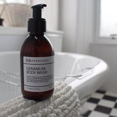 Start the week right with our uplifting Geranium Body Wash! Energizing and deodorising this shower wash uses natural ingredients to boost your mood and get you ready for a fresh and fabulous week ahead     #monday #mondaymotivation #starttheweekright #uplifting #energise #geranium #showertime #bathtime #refresh #handmade #organic #natural #organic #greenbeauty #skincare #bbloggers #greenbbloggers #skin #skincare #mbotanicals