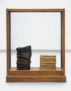 Joseph Beuys, Butter and Beeswax, Basic material 4/b (1975, SMAK) Pioneered the practice of using organic materials (such as fat), in probing such concepts as warmth, energy and transformation.