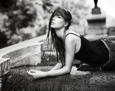 Photographer Eliara – women photos – black-and-white