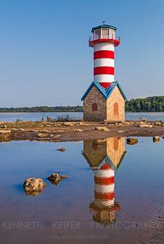 #Lighthouse - El #Faro de Grafton en #Illinois es un faro de monumento para conmemorar la Gran Inundación de 1993 http://dennisharper.lnf.com/