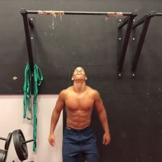 Pull ups with @merkelfitness #Gymshark #Train #Gym #Workout #Exercise