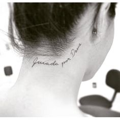 30 Sexy And Simple Back Of Neck Tattoo Designs You'll Like – Page 9 of 30 Sexy And Simple Back Of Neck Tattoo Designs You'll Like; Back of Neck Tattoo; Back Of Neck Tattoo Design; Mini Tattoos, Little Tattoos, Cute Tattoos, Beautiful Tattoos, Body Art Tattoos, Small Tattoos, Tattoo Life, 4 Tattoo, Tattoo Hals