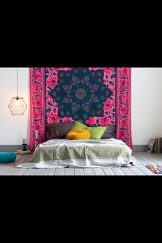 Love the bed on the floor... very Bohemian