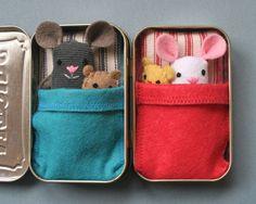 A lil' felt mouse in a tin house - Belle Bébés