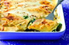 Špaldové palačinky | Apetitonline.cz Lasagna, Macaroni And Cheese, Ethnic Recipes, Food, Mac And Cheese, Meals, Yemek, Lasagne, Eten