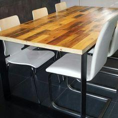 Stalen binnen tafel met sloophout blad#tafel