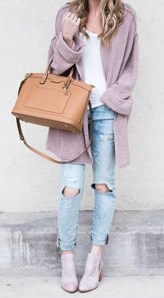 the 10 best pairs of distressed denim right now! most are under $60 or $90! Click through to see them all! Blush Pink oversized cardigan- Life By Lee