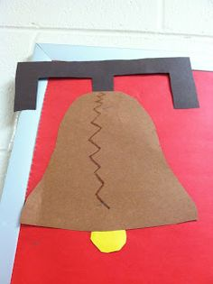 Liberty Bell Craft to help teach patriotism on Presidents' Day or another holiday Patriotic Symbols, Patriotic Crafts, July Crafts, Summer Crafts, Daycare Crafts, Classroom Crafts, Toddler Crafts, Classroom Ideas, Kindergarten Social Studies