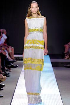 Giambattista Valli Spring 2012 Ready-to-Wear Collection Slideshow on Style.com