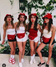 35 Cutest, Craziest & Coolest Group Halloween Costumes for your Girl Squad - Hike n Dip - - Check out best Group Halloween costumes idea that'll make your girl squad shine like never before. Flaunt your friendship with these Group Halloween Outfits. Halloween Costumes For Teens Girls, Cute Group Halloween Costumes, Couples Halloween, Trendy Halloween, Hallowen Costume, Fete Halloween, Last Minute Halloween Costumes, Women Halloween, Costumes Kids