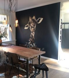 Giraf behang - Apocalypse Now And Then Diy Living Room Decor, My Living Room, Room Decor Bedroom, Home And Living, Living Spaces, Home Decor, Living Room Inspiration, Interior Inspiration, Red Kitchen Decor