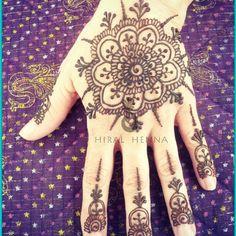 henna hand 3
